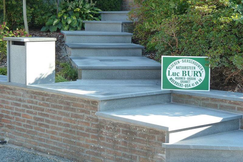 Entreprise de pierres naturelles escaliers for Pierre pour escalier exterieur