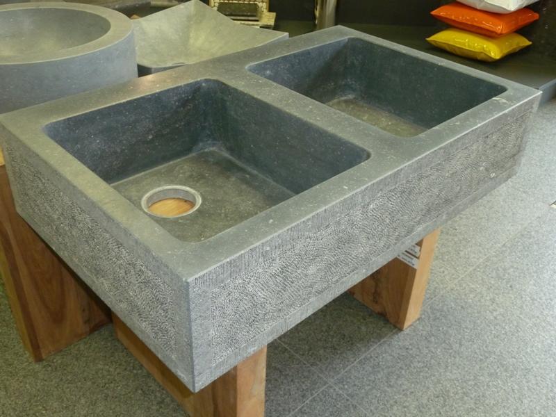 Badkamer Dorpel Hardsteen : Bury natuursteen badkamers douches
